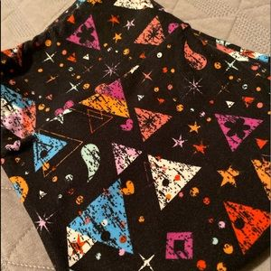Lularoe Unicorn OS Leggings Black Triangle Star